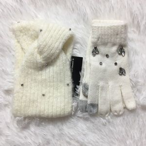 INC Gemstone head wrap and Tech Gloves Ivory OS